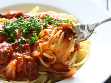 Scrumptious Spaghetti DinnersWe serve our spaghetti diners with a meat sauce, garlic bread and tossed salad...